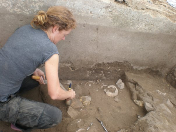 Excavating a late Roman period child's burial, Basilicata, Italy, 2009