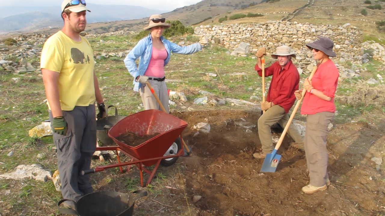 Hugh Thomas, Jane McMahon, Paul Donnelly and Ivana Vetta at test trench 2