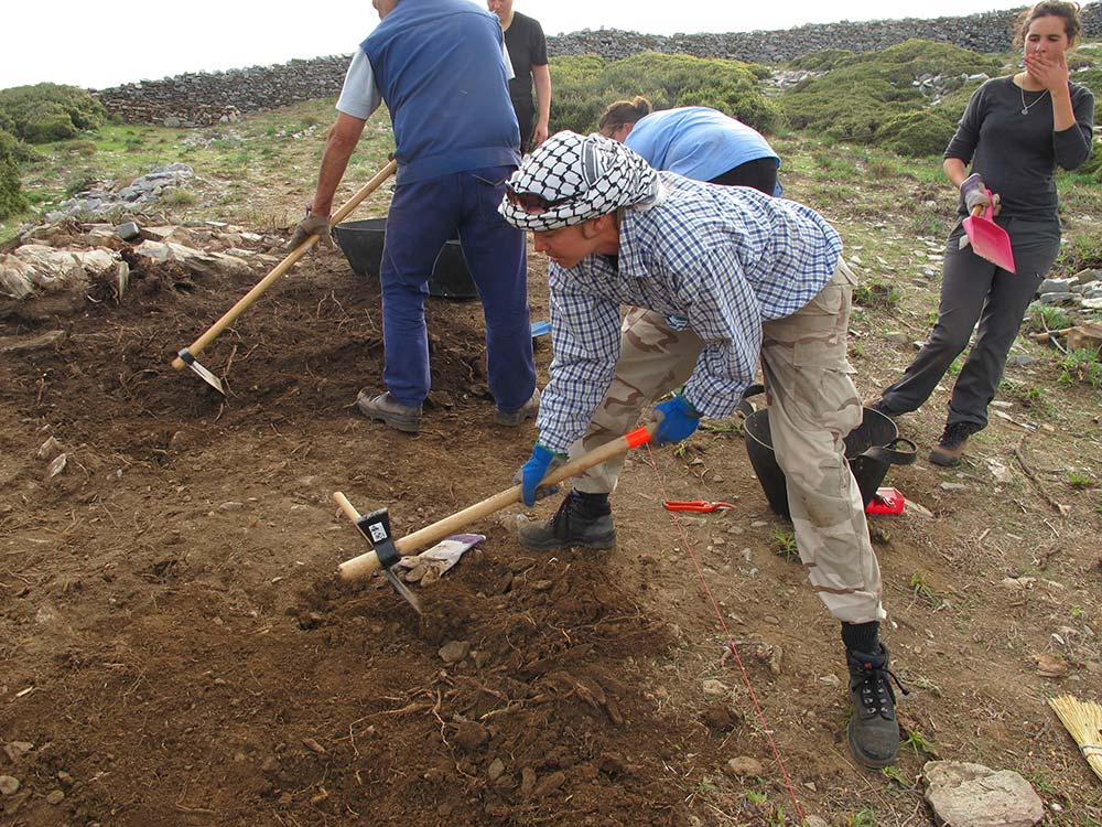 Work in test trench 1
