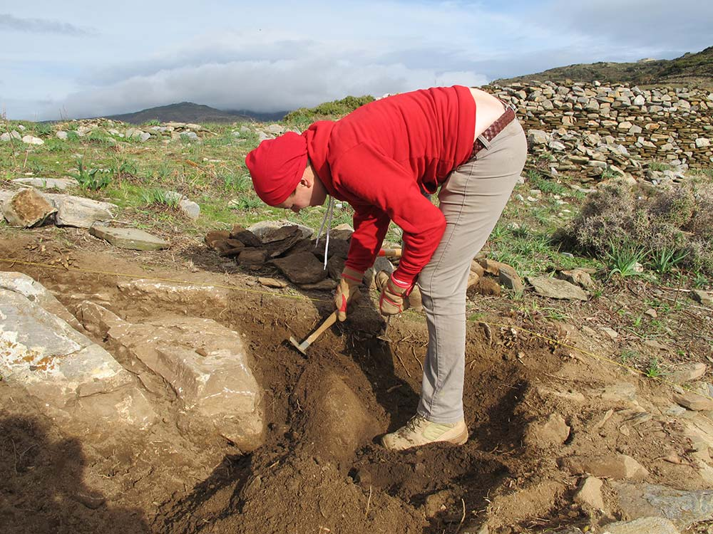 Ivana Vetta using a hand pick in test trench 2