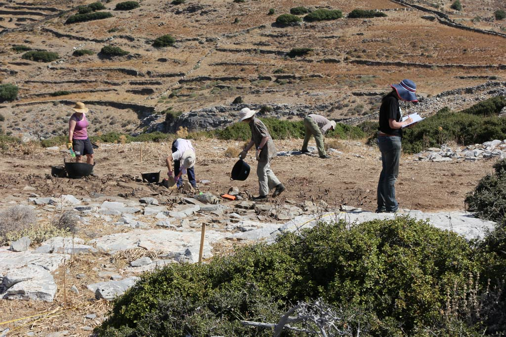 From left: Amy Boyd, Sue Jorgenson, Matthew Miller-Csapo, Rudy Alagich and Ivana Vetta (trench supervisor) working in Excavation area 1.