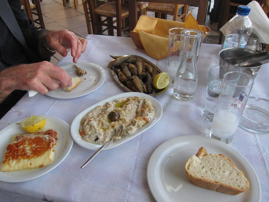 Our late lunch at the Rafina seaside pavement cafe
