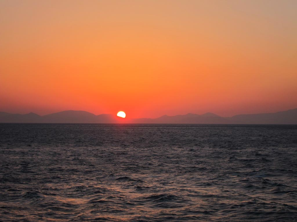 A breathtaking sunset not long after departing Rafina on the 5.30pm ferry