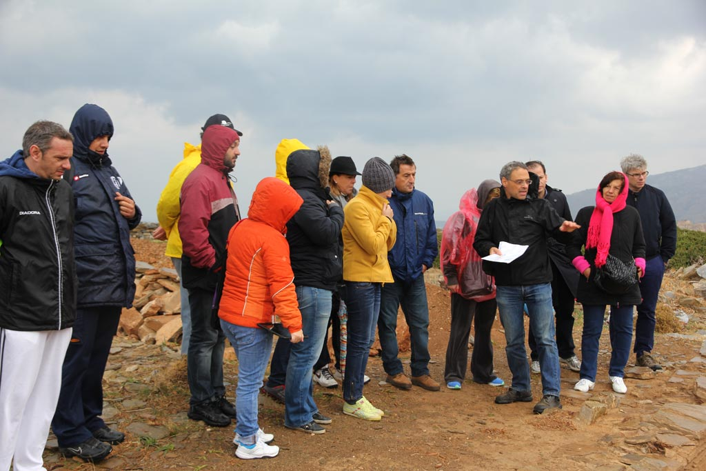 Stavros Paspalas indicates a feature of the Zagora site to the mayoral tour