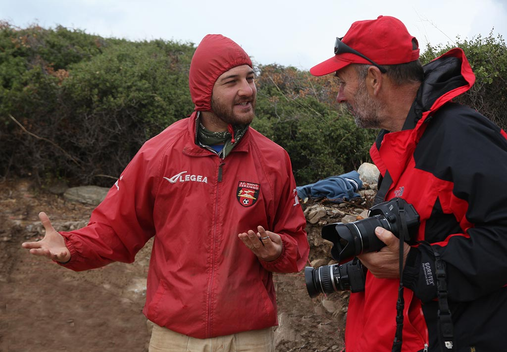Bob Miller consulting with trench supervisor, Antonio Bianco, at Zagora in 2014